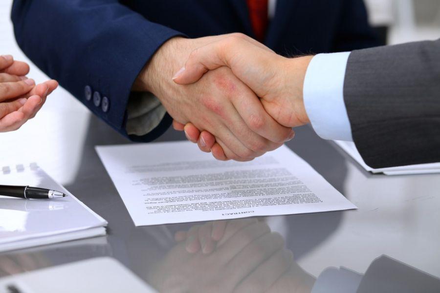 وکیل قرارداد در مشهد