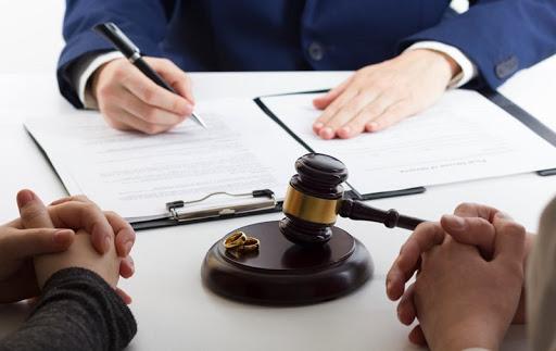 وکیل برای طلاق در مشهد