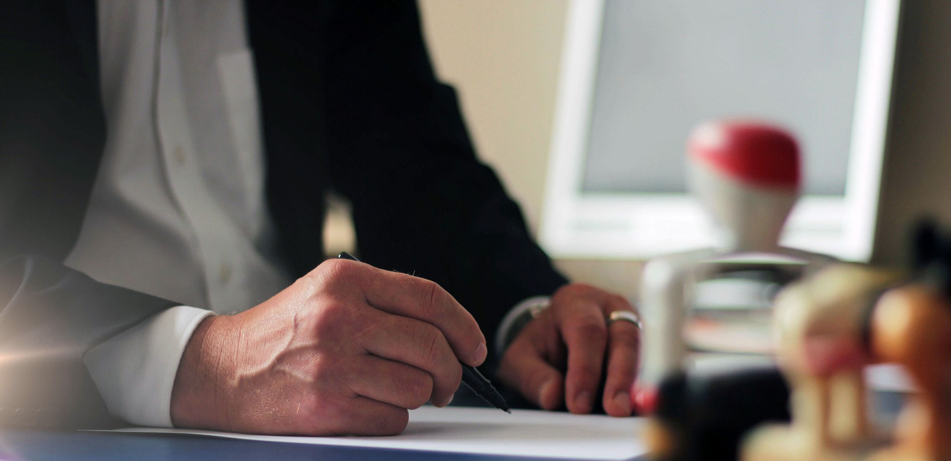 بهترین وکیل انعقاد قرارداد در مشهد